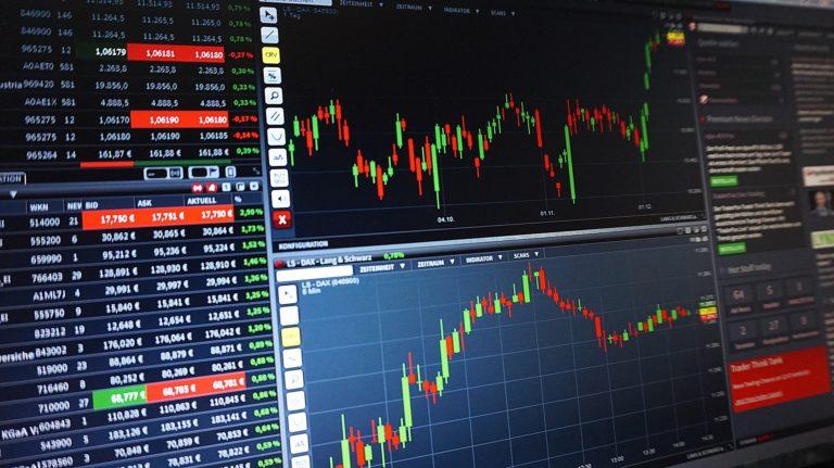 Lær at handle med aktier uden at bruge penge